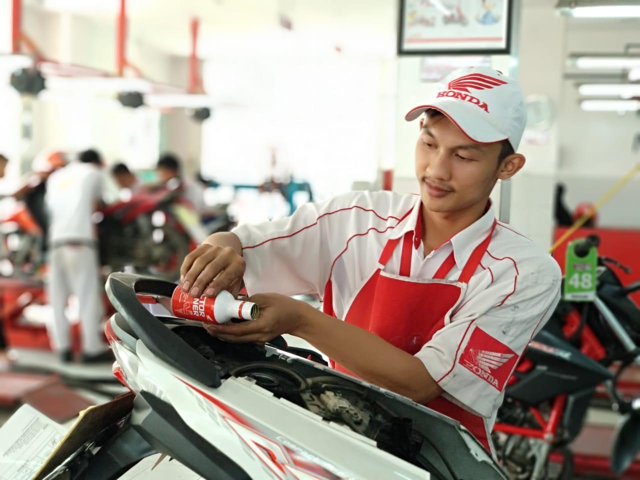 Cara Ampuh Merawat Motor Honda Matic