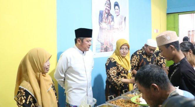 Patut Dicontoh, Warung Sedekah Hayza Beri Makanan Gratis untuk Kaum Dhuafa