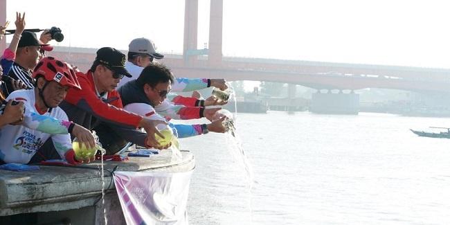 26 Ribu Ikan Ditebar di Sungai Musi