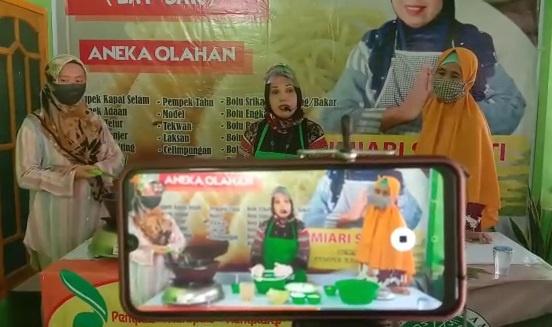 Keren !! Sekali Belajar, Peserta Latbar Pempek Ramadan Langsung  Bisa Bikin Pempek