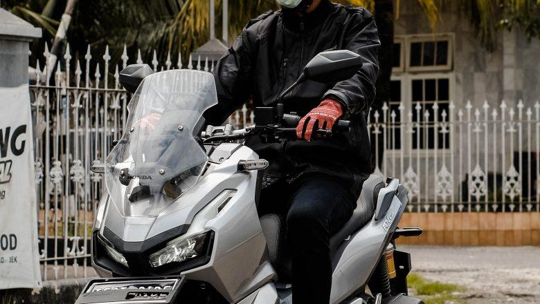 New Normal, Masker Cadangan Sangat Penting Bagi Pengendara Motor