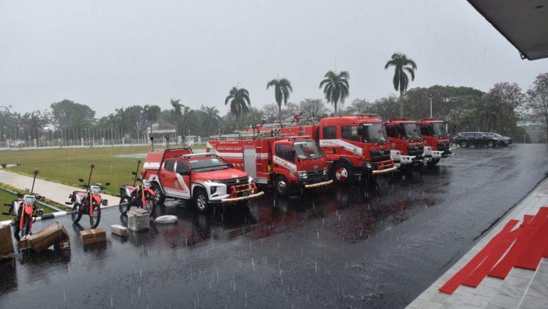 CSR, PTBA Bangun GOR hingga Bantu Mobil Damkar
